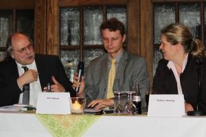 Biogas-Diskussion: Pastor Peters, Jens Beeck Sabine Stüting, v. lks