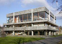 220px-Karlsruhe_bundesverfassungsgericht