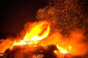 Osterfeuer auf dem Darmer Esch
