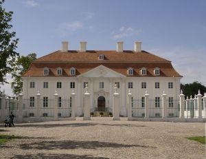 Schloss_Meseberg_Hofseite